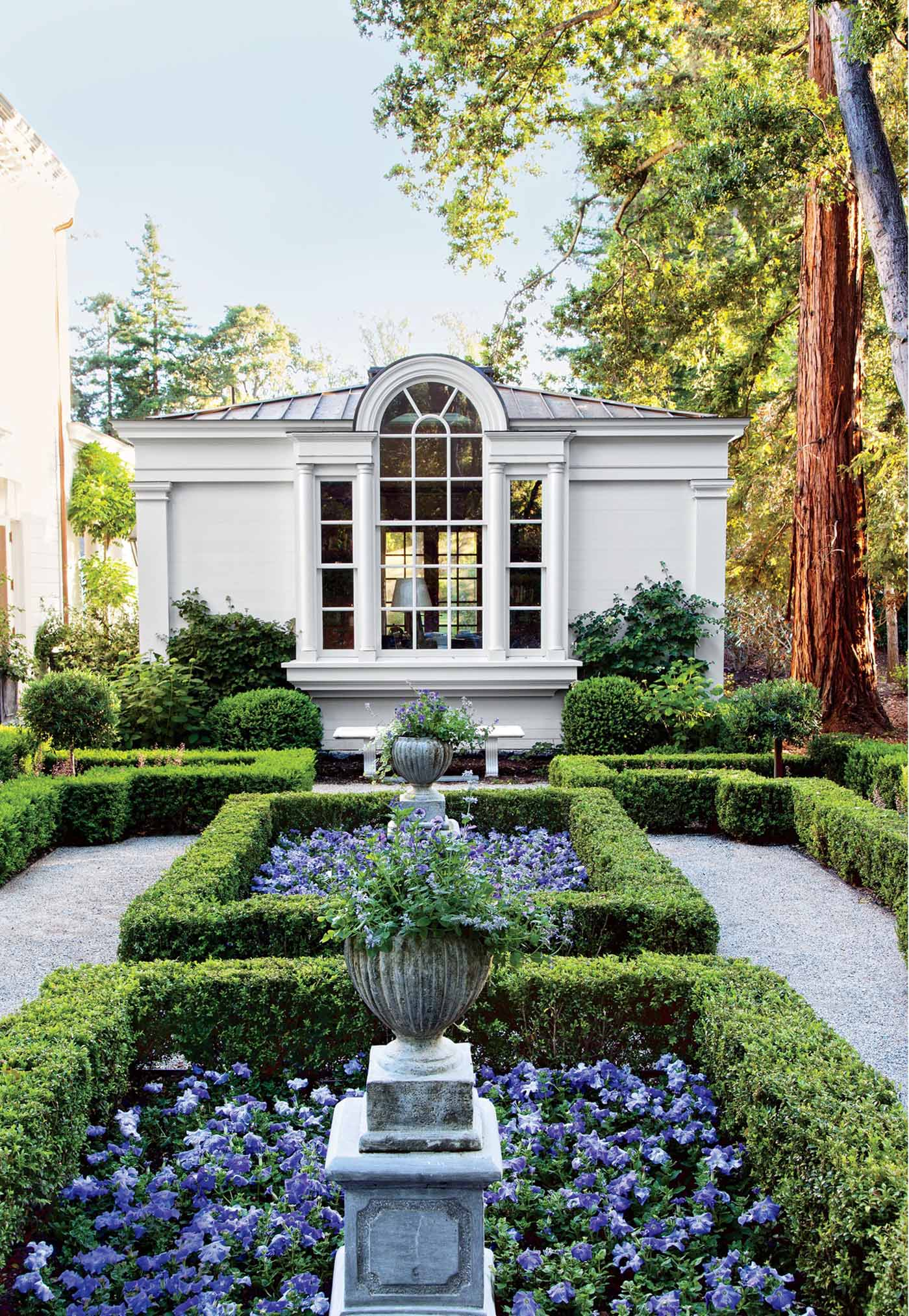 The finest magazine beautifully landscaped home gardens for California home and design magazine
